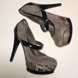 Jessica Simpson Grey and Python Stacked Heels